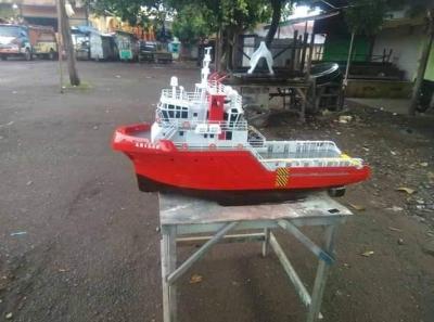 Miniatur Kapal Tug Boat