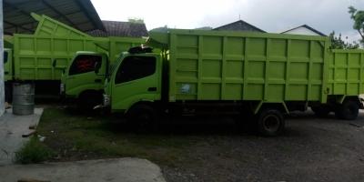 Hino Dutro Dump Truk